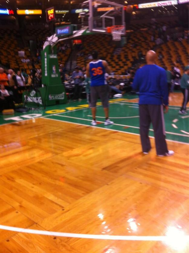 Rasheed taking shots in a Knicks warmup.