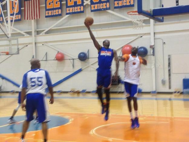 Amar'e Stoudemire back on the practice floor