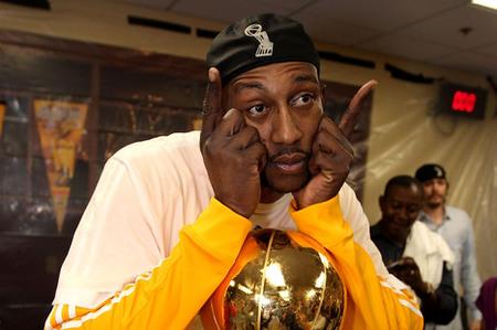 274c8c712 Knicks sign DJ Mbenga. Leave a reply · dj